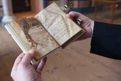 Der Codex Einsidlensis 121 aus dem Jahr 960/970 in der Stiftsbibliothek des Klosters.