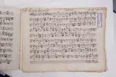 Notenblätter von Johann Christian Bach, dem jüngsten Sohn von Johann Sebastian Bach. Nicht von ihm persönlich geschrieben, sondern von Mönchen aus dem Kloster Einsiedeln kopiert. Sie stammen aus der Zeit von 1782.