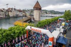 Die 42. Austragung des Luzerner Stadtlaufs findet heuer bei garstigem Wetter statt. (Bild: Nadia Schärli, 4. Mai 2019)