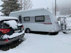 «Wintercamping», schreibt Wener Leumann zu diesem Bild.