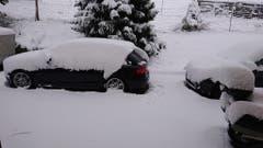 Wer mit dem Auto wegwill, muss heute schaufeln. (Bild: Ursi Meili)