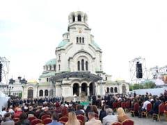 Der Papst liest das Gebet Regina Coeli vor der Kathedrale Alexander Nevsky in Sofia. (Bild: Keystone/EPA ANSA/MAURIZIO BRAMBATTI)