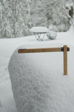 In Trogen hat es sogar 28 Zentimeter Neuschnee gegeben, wie das Bild von Leserfotograf Hans Aeschlimann beweist.