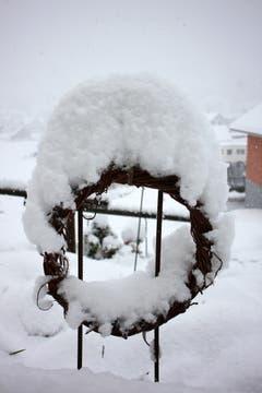Es schneit und schneit im Toggenburg. (Bild: Vreni Büchel)