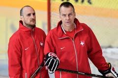 Assistenten: Tommy Albelin (rechts) und Christian Wohlwend.