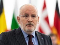 Der sozialdemokratische Spitzenkandidat für die Europawahl, Frans Timmermans, forderte in der «ARD-Wahlarena» am Dienstagabend, eine CO2-Steuer zum Klimaschutz. (Bild: KEYSTONE/EPA/PATRICK SEEGER)