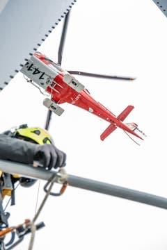 Der Helikopter nähert sich seinem Ziel. (Bild: Nadia Schärli, 8. Mai 2019)