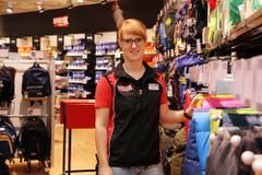 SportXX-Filialleiterin Karin Käslin verrät, worauf bei der Camping-Ausrüstung zu achten ist.