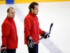 Patrick Fischer (rechts) mit Assistent Christian Wohlwend, dem künftigen Trainer des HC Davos (Bild: KEYSTONE/SALVATORE DI NOLFI)
