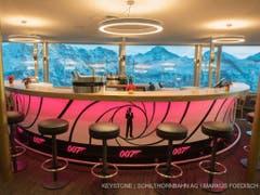 Einst der Sitz von Bond-Bösewicht Blofeld, heute Touristenmagnet: das Drehrestaurant Piz Gloria auf dem Schilthorn. (Bild: Keystone/SCHILTHORNBAHN AG/MARKUS FOEDISCH)