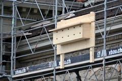 Während Bauarbeiten können Mauer- und Alpensegler auch Ersatz-Nistplätze angeboten werden. Das hat der Kanton Thurgau vor einigen Jahren während der Sanierung des Regierungsgebäudes in Frauenfeld getan. (Bild: Reto Martin - 17. Oktober 2013)