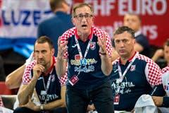 Kroatiens Trainer Igor Vori feuert seine Spieler an. (Bild: Philipp Schmidli, Zug, 12. Juni 2019)