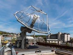ETH-Weltneuheit: Treibstoffe aus Luft und Sonne werden von einer Mini-Raffinerie auf einem ETH-Dach in Zürich produziert. (Bild: ETH Zürich / Alessandro Della Bella)