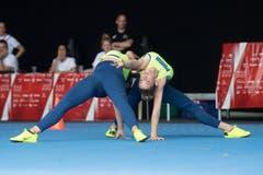 Jasmin Bucheli und Joy Märki vom BTV Luzern bei ihrer Aerobic-Übung.(Bild: Boris Bürgisser, Aarau, 14. Juni 2019)