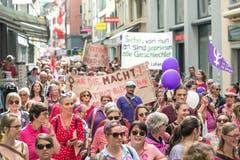 Die Gassen der Altstadt sind voll von Protestierenden. (Bild: Pius Amrein, Luzern 14. Juni 2019)