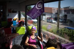 Mit dem Zug fuhren die Frauen nach St.Gallen, wo sie viele Gleichgesinnte trafen. Um 15.24 Uhr war dann Start zur Demo.
