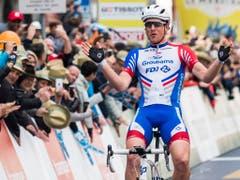 An der Tour de Romandie gewann Stefan Küng diesen Frühling eine Etappe - einer von zwei Saisonsiegen (Bild: KEYSTONE/JEAN-CHRISTOPHE BOTT)