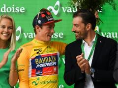Rohan Dennis bei der Siegerehrung zusammen mit Fabian Cancellara (Bild: KEYSTONE/GIAN EHRENZELLER)
