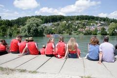 Hier strahlte noch die Sonne: Zuschauer verfolgen den Waterings Contest an der Aare. (Bild: Marc Schumacher/freshfocus, Aarau, 15. Juni 2019)