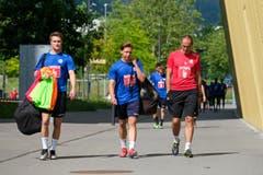 Marco Burch, Lars Karrer und Trainer Thomas Häberli. (Bild: Martin Meienberger / Freshfocus, Luzern, 17. Juni 2019)