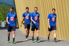 Auch sie sind gut gelaunt: Simon Grether, Remo Arnold, Christian Schneuwly und Christian Schwegler. (Bild: Martin Meienberger / Freshfocus, Luzern, 17. Juni 2019)