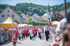 Der MV Gretzenbach bei der Parade. (Bild: Roger Grütter, Altishofen, 2. Juni 2019)