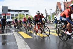 Die Tour de Suisse schlängelt sich durch Wattwil. (Bild: Urs M. Hemm)