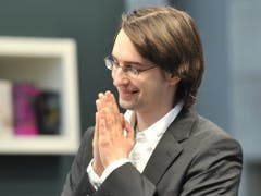 Der österreichische Autor Clemens J. Setz ist 2008 selbst in Klagenfurt beim Wettlesen um den Bachmann-Preis angetreten. Heute hat er mit einer Rede die 43. Tage der deutschsprachigen Literatur eröffnet. (Bild: Keystone/EPA/HENDRIK SCHMIDT)