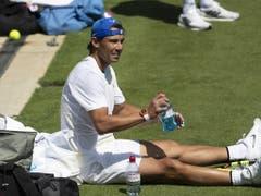 Rafael Nadal erwischte ein hartes Los und könnte bereits in der 2. Runde auf Nick Kyrgios treffen (Bild: KEYSTONE/PETER KLAUNZER)