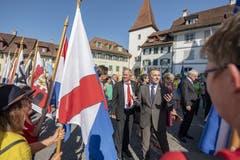 Bundesrat Ignazio Cassis, rechts, und Regierungsrat Paul Winiker an der Gedenkfeier in der Altstadt von Sempach. (Bild: Urs Flüeler, Sempach, 30. Juni 2019)