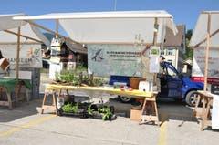 Vereine, wie der Naturschutzverein, präsentierten sich am Markt. (Bild: Sabine Camedda)