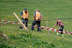 Ein Mitarbeiter der Titlisbahnen so schwer verletzt, dass er noch auf der Unfallstelle verstarb. (Bild: Urs Flüeler/Keystone, Engelberg, 5. Juni 2019)