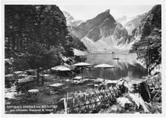 Die Gartenwirtschaft des Berggasthauses Forelle am Seealpsee. (Bild: Foto Gross, St.Gallen/Landesarchiv AI)