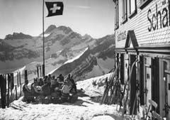 Die Terrasse des Berggasthauses Schäfler. (Bild: Foto Gross, St.Gallen/Landesarchiv AI)