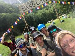 Empfangskomitee der Sherpas für die anreisenden Bergsteiger der Jungwacht Altishofen. (Lagerbilder: Lungern, 9. Juli 2019)