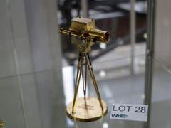 Eine Goldene Kamera aus dem jahr 1989 (Bild: KEYSTONE/AP/MATT DUNHAM)