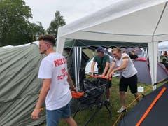 Zum Openair Frauenfeld gehören auch mehrere Campingzonen. Die Besucher richten sich jeweils häuslich auf dem Gelände ein. (Bild: Keystone-SDA/Luca Grand)