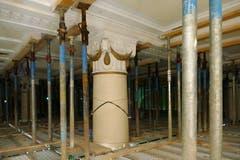 Um die historische Bausubstanz im ehemaligen Hotel Europäischer Hof zu erhalten, sind teilweise aufwendige Baumassnahmen nötig. So werden histroische Decken abgestützt. (Bild: PD)