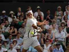 Roger Federer spielt sehr offensiv und aggressiv und entschied damit die Partie (Bild: KEYSTONE/AP/BEN CURTIS)