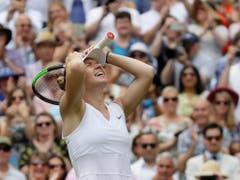 Simona Halep kann es nicht glauben: In weniger als einer Stunde entschied sie den Final für sich (Bild: KEYSTONE/AP/KIRSTY WIGGLESWORTH)