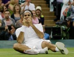 Wimbledon 2012: Federer s. Murray 4:6, 7:5, 6:3, 6:4Auf dem Weg zum siebten Sieg in Wimbledon erlebt Roger Federer zahlreiche bange Momente. In der dritten Runde macht er einen 0:2-Satzrückstand gegen Julien Benneteau wett. In den Viertelfinals macht ihm ein blockierter Rücken zu schaffen. Im Halbfinal schaltet er Titelverteidiger Novak Djokovic aus. Im Final, der wegen Regens unterbrochen und unter geschlossenem Dach beendet wird, setzt sich Federer gegen Andy Murray durch und wird wieder die Nummer eins der Welt.