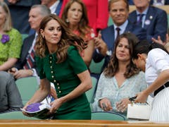 Auch Herzogin Kate wohnte dem einseitigen Final in der Royal Box bei (Bild: KEYSTONE/AP/BEN CURTIS)