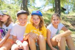 Erfreute Kinder geniessen ihre Zeit im Pfarreilager Kägiswil.Lagerbild: Pfarreilager Kägiswil (Visperterminen, 16. Juli 2019)