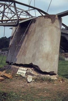 Das Sicherheitsrisiko war Ende der 1970er Jahre zu gross, sodass man nicht mehr auf dem Ganggelisteg schaukeln durfte. (Bild: PD/Albin De Boni)