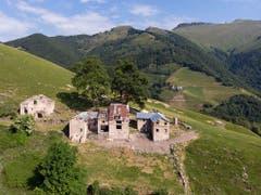 Am Fusse des Monte Generoso liegt die Ruine des ehemaligen Zweitwohnsitzes der Familie Cantoni aus dem 18. Jahrhundert. (Bild: Keystone/DAVIDE AGOSTA)