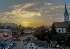Sonnenuntergang in Nesslau. (Bild: Renato Maciariello)