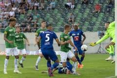 Impressionen vom ersten Spiel der Saison gegen St. Gallen. (Bild: KEYSTONE/Georgios Kefalas, St. Gallen, 20. Juli 2019)