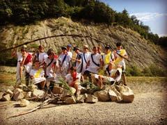 Auf dem langen Weg nach Griechenland brauchen die drei ältesten Gruppen der Jungwacht Horw eine Verschnaufpasue. (Bild: Jungwacht Horw, Bözberg, 20. Juli 2019)