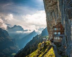 Das Bergrestaurant Aescher: ist laut «National Geographic» der schönste Ort der Welt. Mir wird schlecht. (Bild: Peter Böhi)