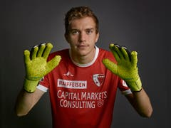 Nach langer Verletzungspause nicht unbestritten: Sions russischer Goalie Anton Mitrjuschkin (Bild: KEYSTONE/CHRISTIAN BEUTLER)